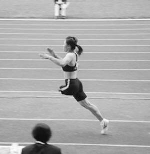 作为中国第一个安装大腿运动假肢的运动员