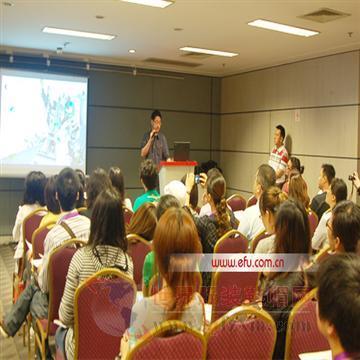 上海世贸举办服饰品牌与百货商场对接洽谈