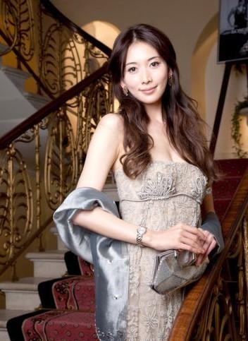 林志玲优雅大使装扮 风姿绰约体态优雅高清图片