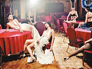 上海展出香港时装创意光彩绽放世博会
