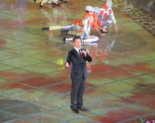 总政歌舞团山西籍歌唱家阎维文-2011第六届中国中部投资贸易博览会