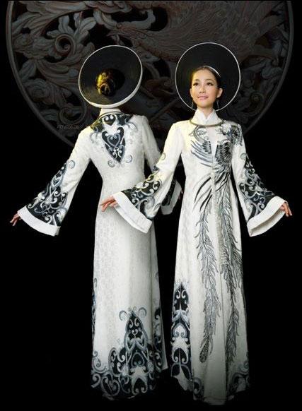 越南民族服饰之宫廷奥黛图片