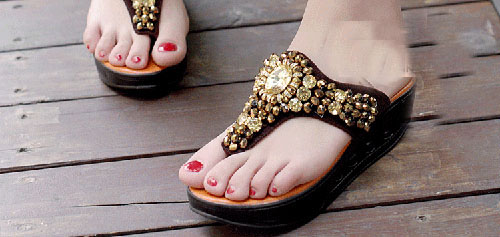光脚穿凉鞋的女明星