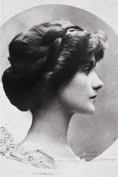 可可・香奈儿女士诞辰129周年 解读香奈儿时装