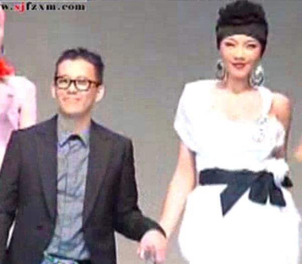 2012哈尔滨国际时装周ERIC CHOONG——渲染南海风情