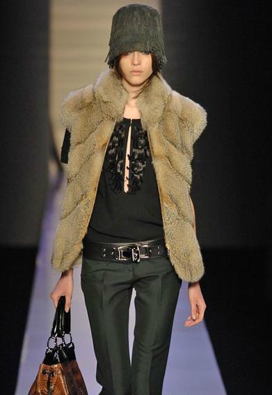 Barbara Bui2012秋冬巴黎时装秀.高清法国时装周视频