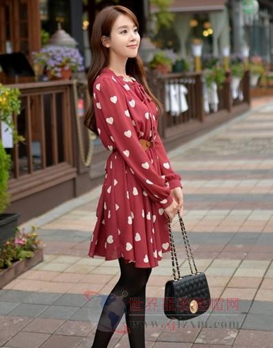 街拍美女淑女装 气质高雅很出众-世界服装鞋帽