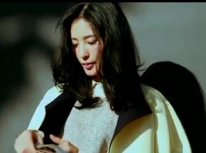 王丽坤晚秋时尚街拍 黑白经典不失优雅