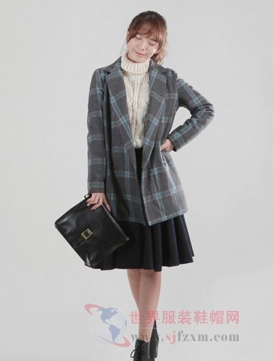 西装版型大衣可是今年最流行的冬季外套款式,简单大方,不挑mm