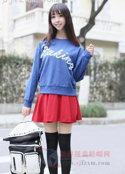 短裙搭配及膝袜 塑造日系萌妹子造型