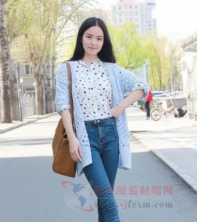 春色迷人靓装扮 清新色彩十分上镜-世界服装鞋